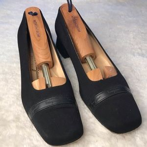 Salvatore Ferragamo Boutique Sonia Nero Pumps 6.5B